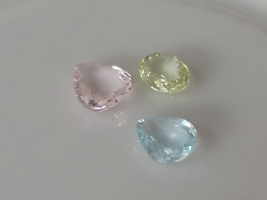 multicolor-beryl-set-yellow-pink-blue-12 from Pailin Gemstones