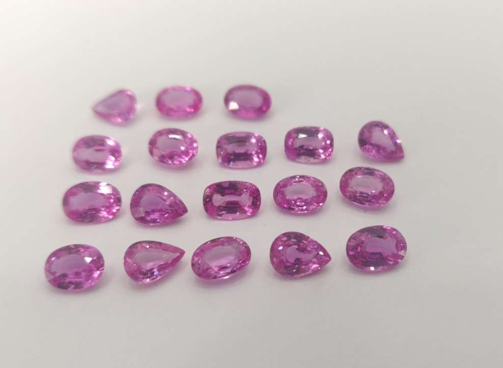 Pink Sapphire 1 carats