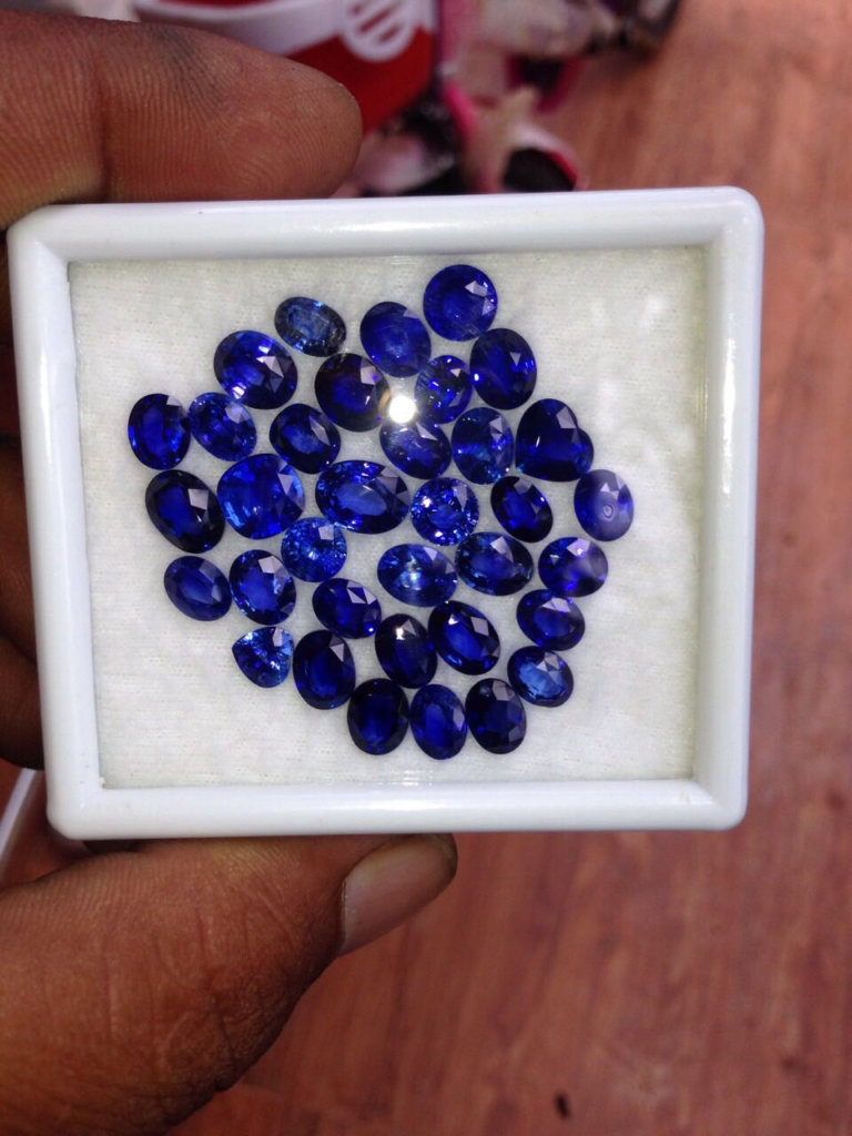 fancy sapphire large stones from ceylon
